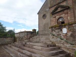Les escaliers où les femmes et les enfants ont été placés.